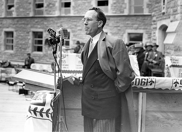 Tommy Douglas for new canadian five dollar bill